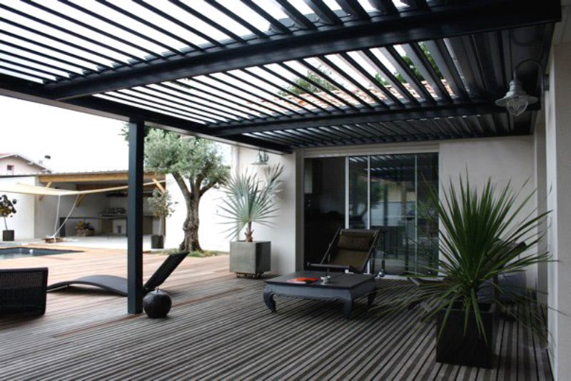 pergola bioclimatique pose concept. Black Bedroom Furniture Sets. Home Design Ideas